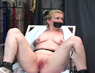 Blondie Receives Slit Whipped