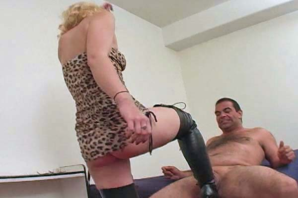 Gorgeous platinum blonde Ballbusting
