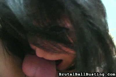 Brunette Ballbusting
