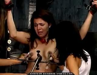 Bondage Porn : Interrogation Britt!